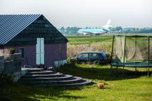 Lara Sciuto, Jan Peters, omgeving Schiphol. Foto uit 'Noise Landscape'